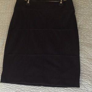 Merona size 4 polyester blend pencil skirt